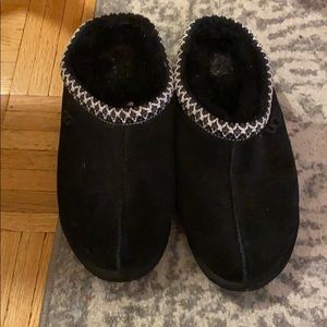 Ugg slippers gently worn men's size 6